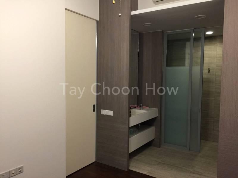 Ensuite bath room with spacious wash area and wardrobe