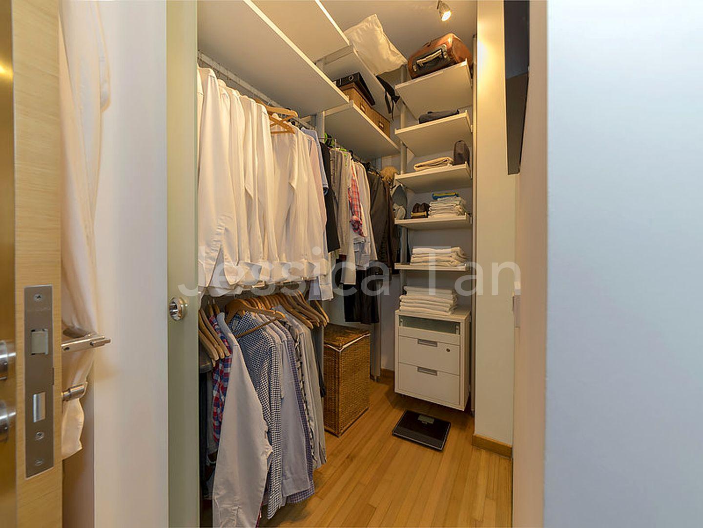 Master Room Walk-in Wardrobe