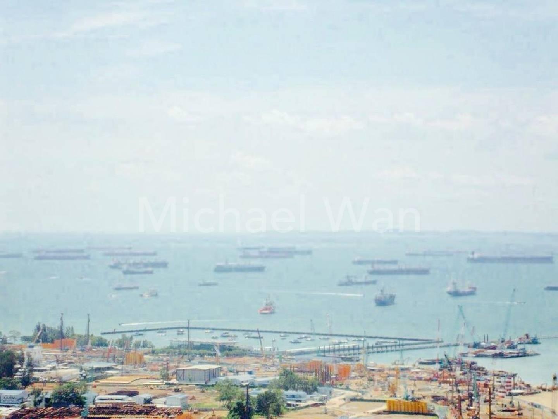 Sweeping sea view of de Port of Singapore
