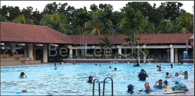 Public swimming pool per entry $2.50