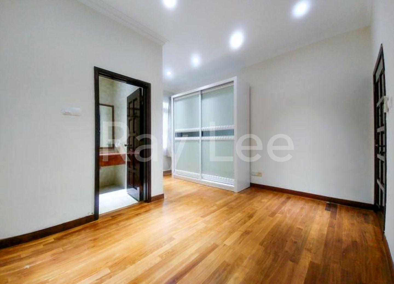 Almond Crescent - B01: Bedroom 01