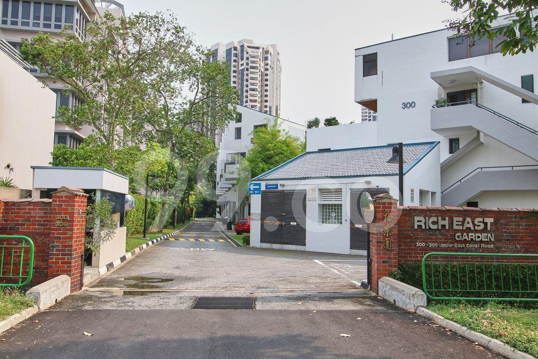 Rich East Garden  Entrance