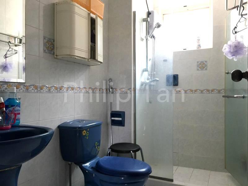 Common Bathroom 01