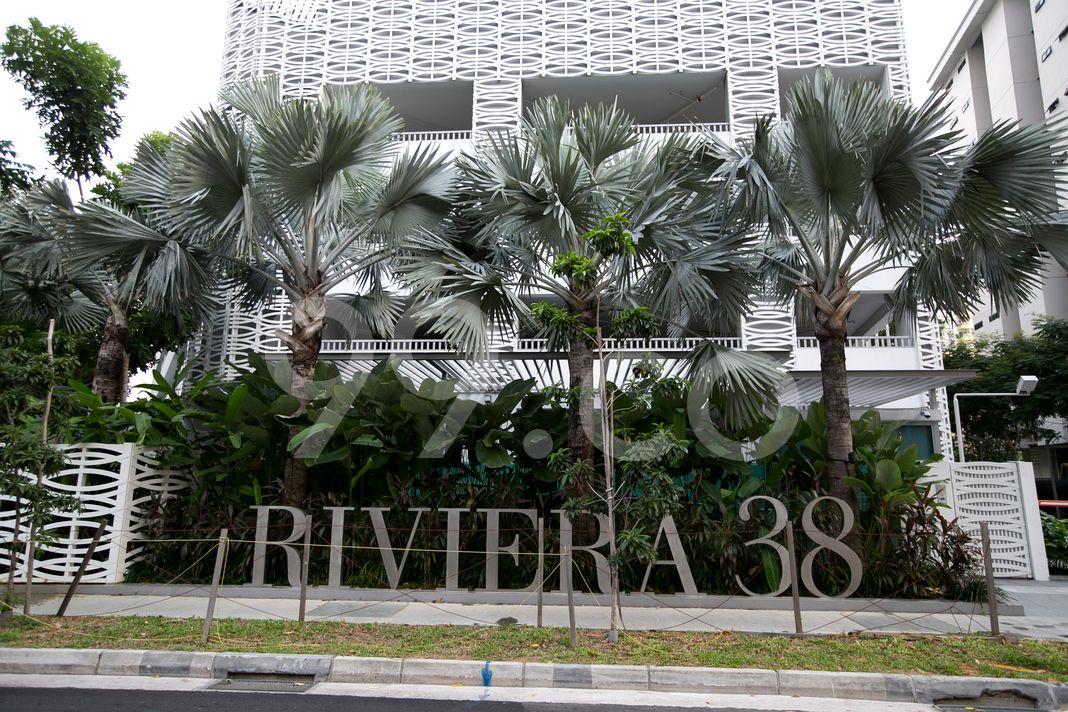 Riviera 38  Logo