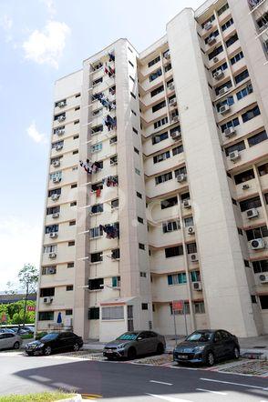 HDB-Jurong East Block 332 Jurong East