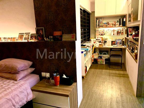 Master bedroom - study area