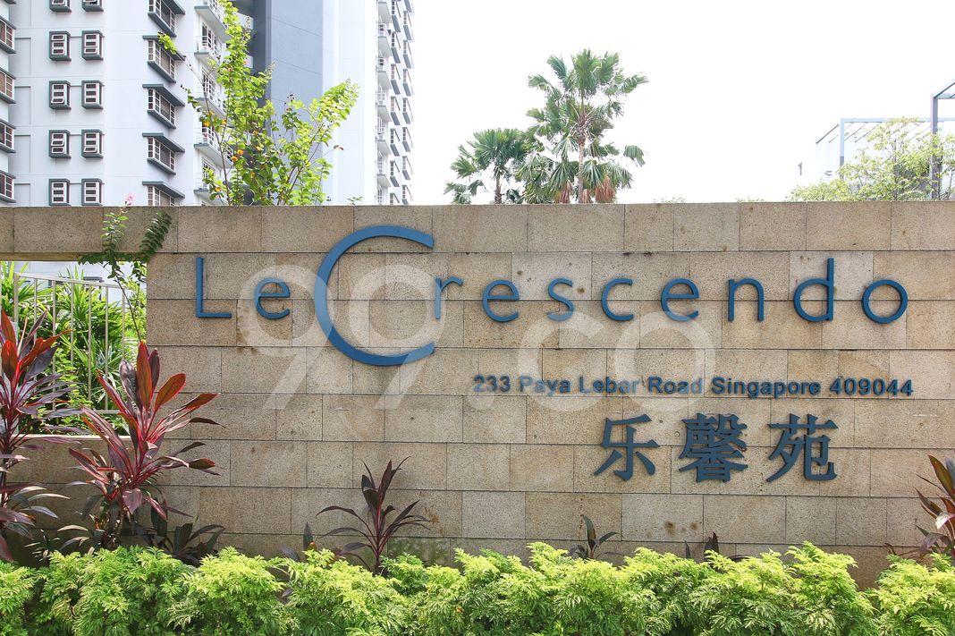 Le Crescendo  Logo