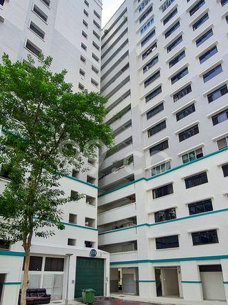 HDB-Hougang Block 574 HDB-Hougang