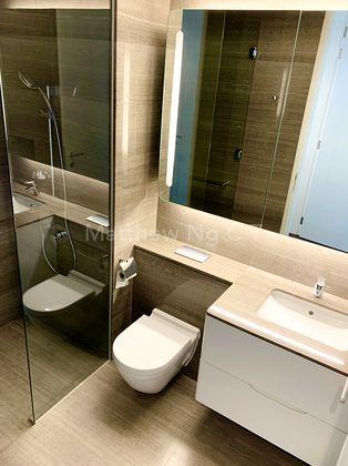 Common Bathroom 2