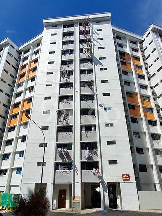 HDB-Hougang Block 352 HDB-Hougang