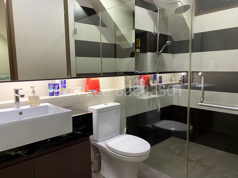 3F Bedroom D ensuite bathroom