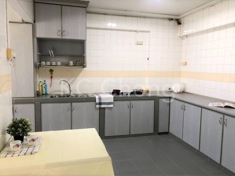 Blk 282 Toh Guan Road Kitchen 01
