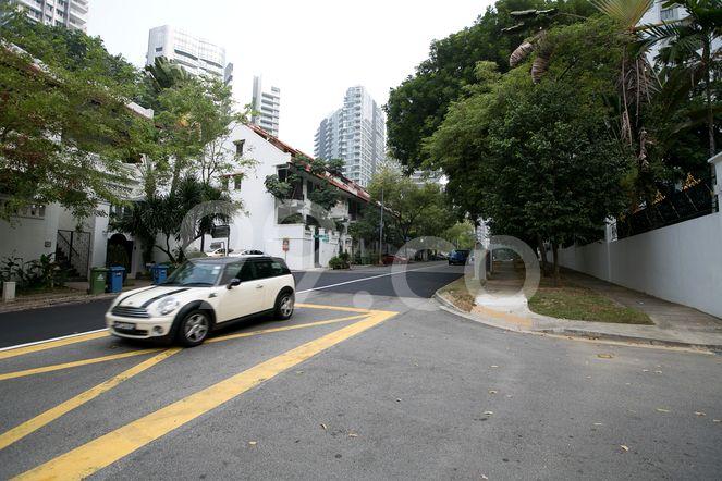 The Ritz-Carlton Residences Singapore, Cairnhill The Ritz-Carlton Residences - Street