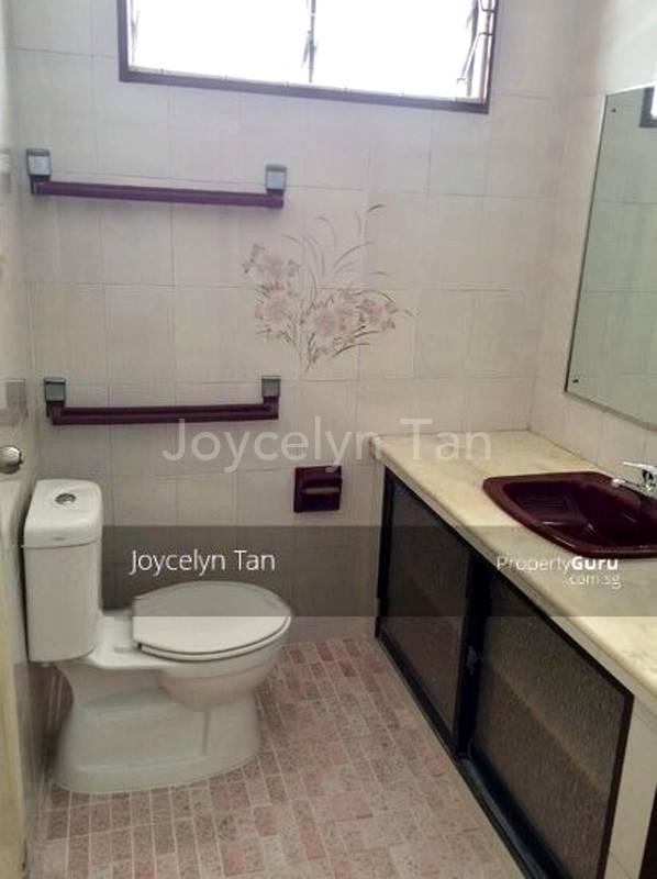 Common Bathroom- 2nd floor