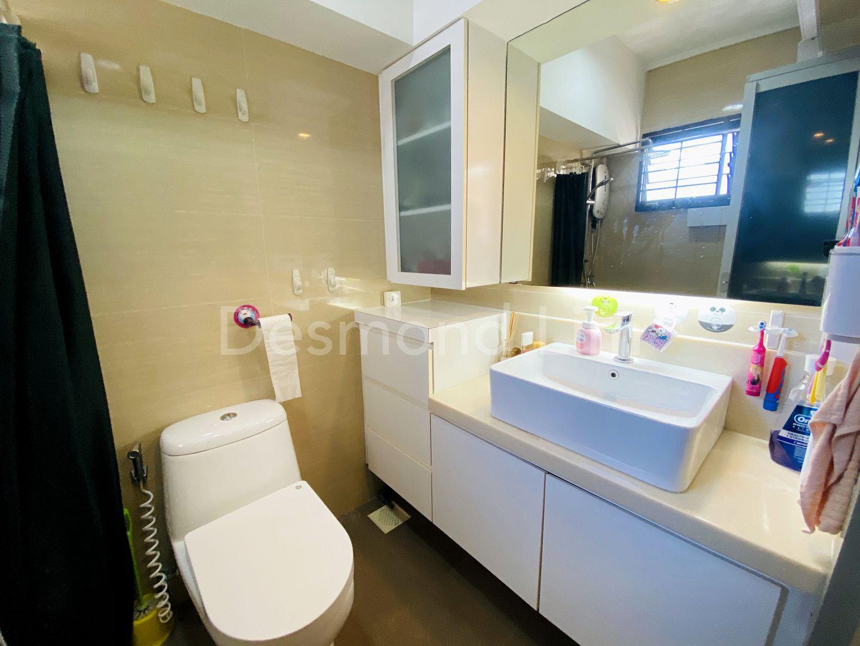 Primary Room Toilet