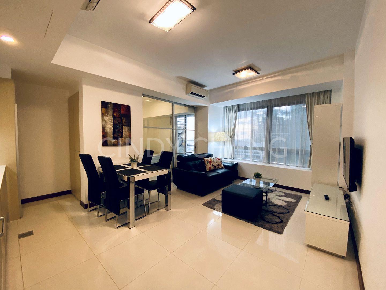 1 bedroom apartment with glass sliding door