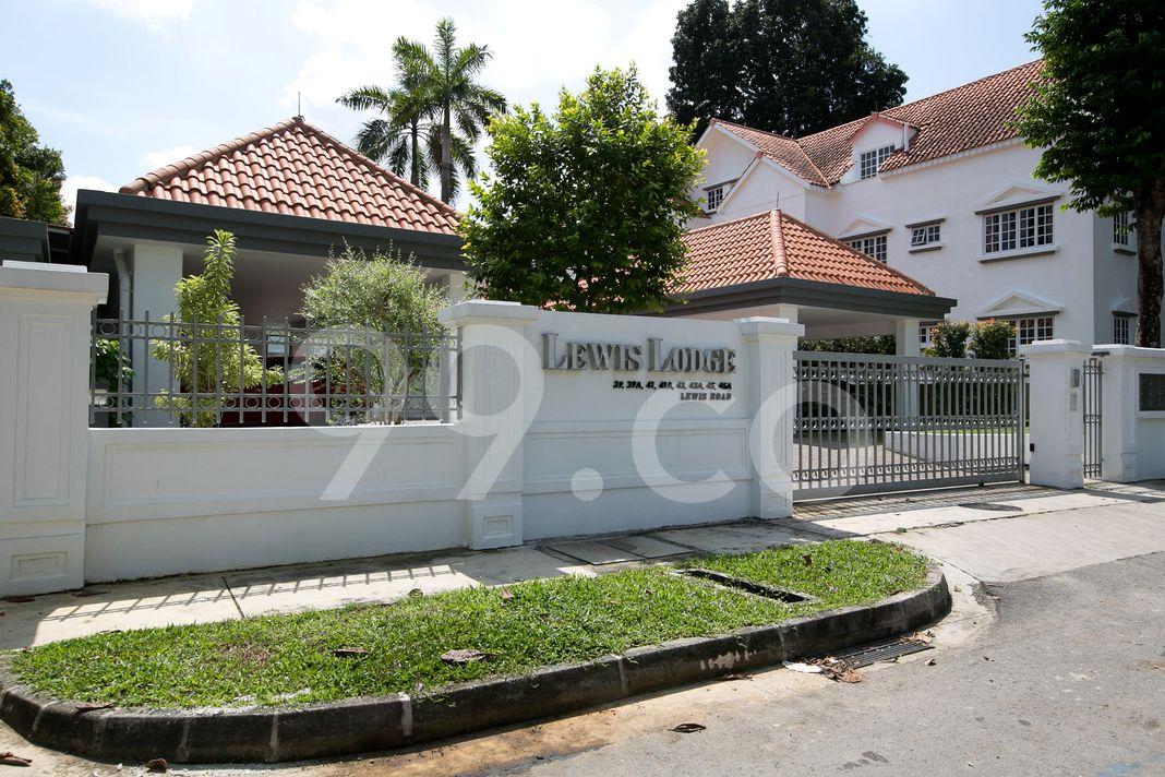 Lewis Lodge  Entrance