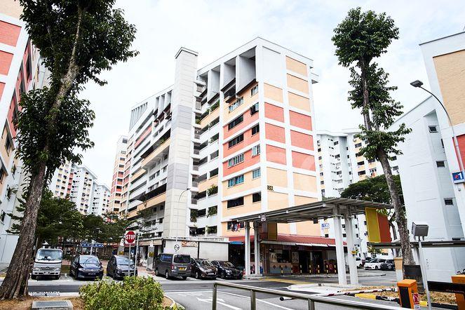 HDB-Potong Pasir Block 136 Potong Pasir