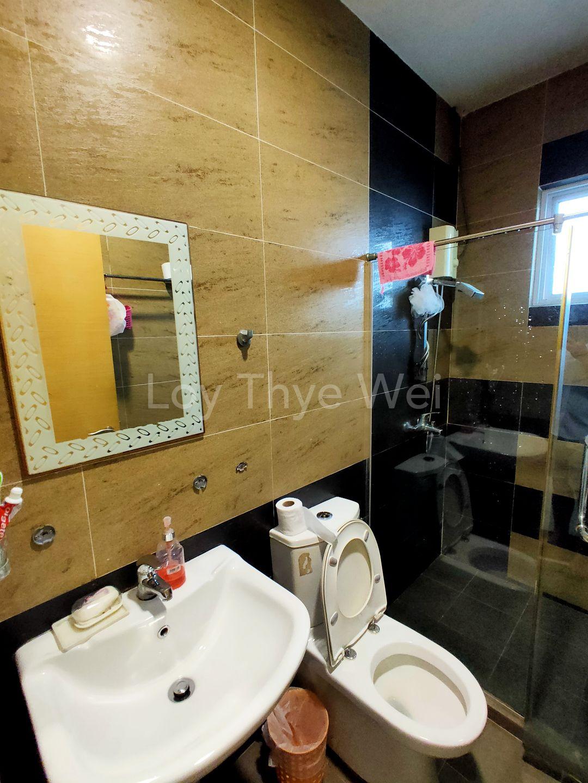 Level 1 Common Toilet