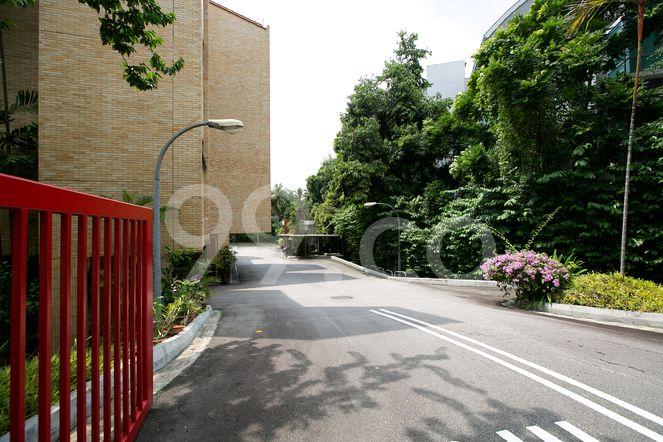 Garden Apartment Garden Apartment - Entrance