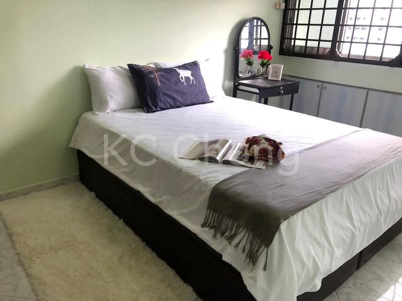 Blk 282 Toh Guan Road Master Room 01