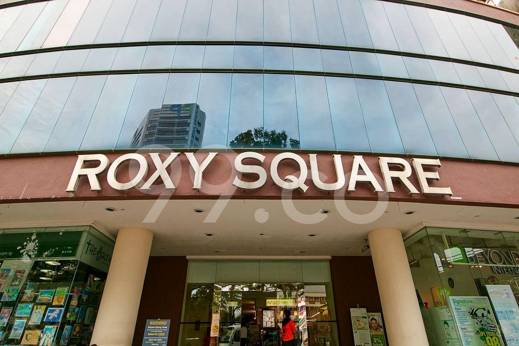 Roxy Square  Logo