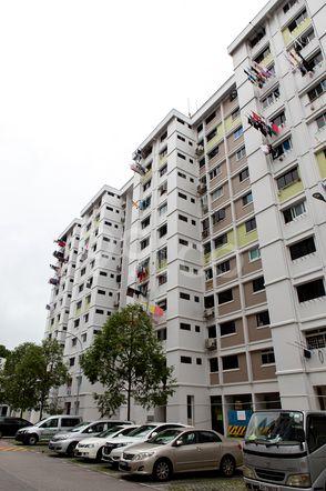 HDB-Jurong East Block 30 Jurong East