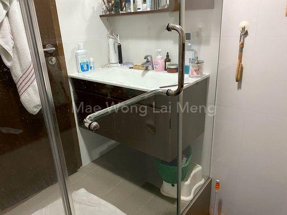 Master bedroom wash basin