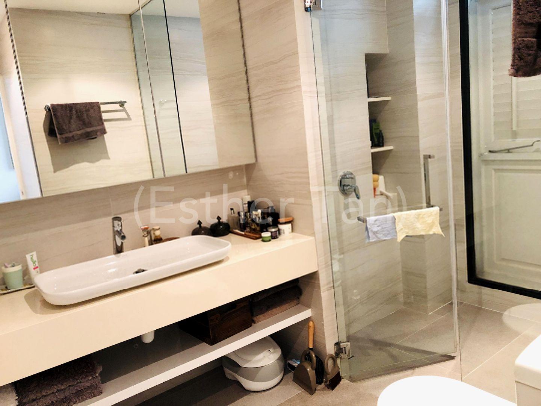 Junior Bedroom ensuite bathroom