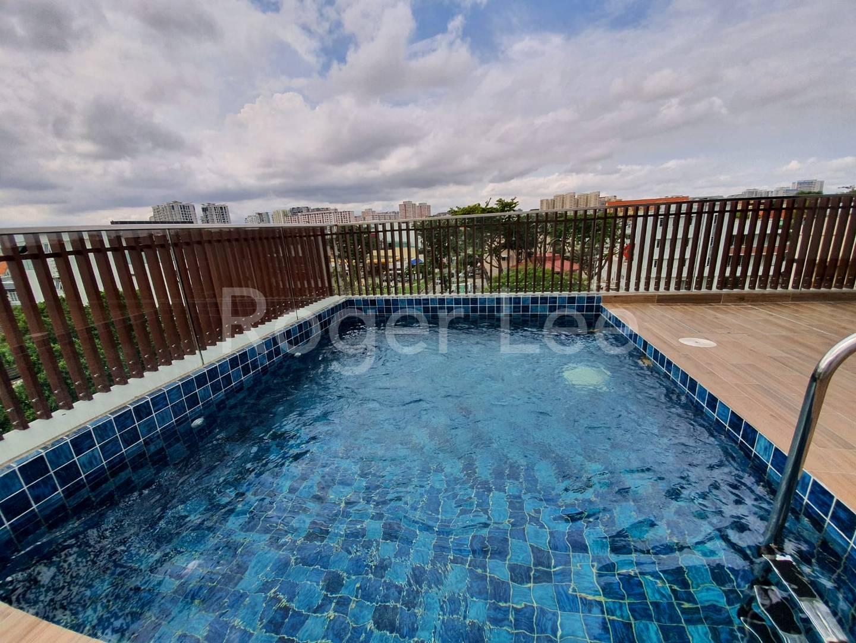 Beautiful pool at roof top