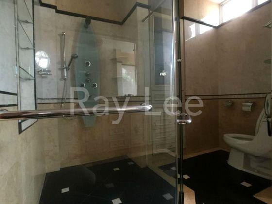 Beechwood Grove Level 3 Master Bedroom Bathroom 02
