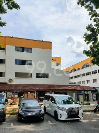 HDB-Hougang Block 683 HDB-Hougang