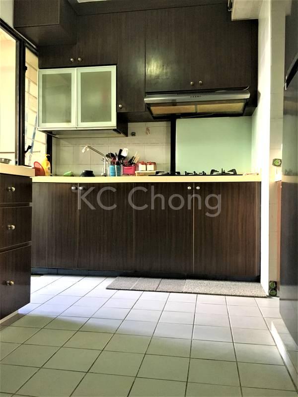 Blk 690 Jurong West Central 1 kitchen 02