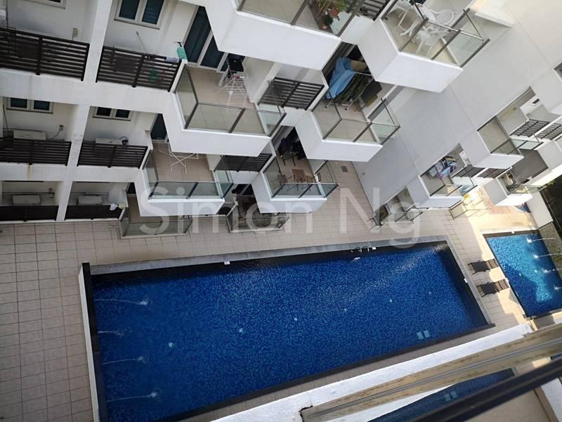 Pool View fr Balcony