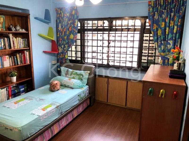 Common Bedroom 02