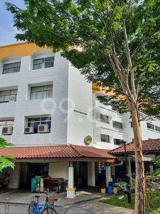 HDB-Hougang Block 681 HDB-Hougang