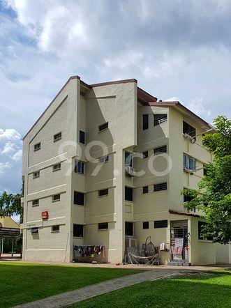 HDB-Hougang Block 318 HDB-Hougang
