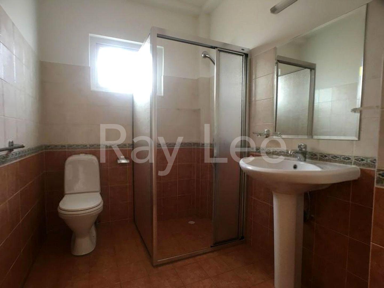 Woodgrove Estate Master Bathroom 05