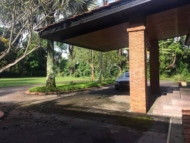 Car Porch Area