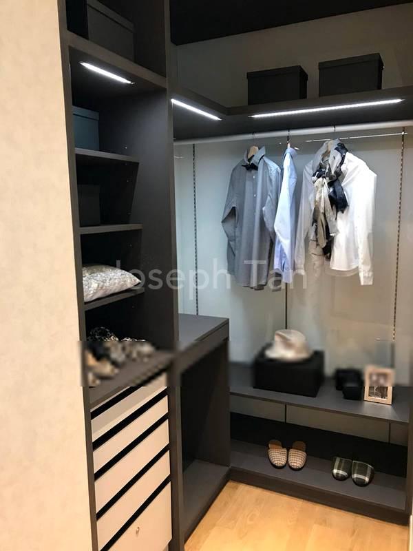 Master bedroom Walk In Wardrobe (Poggenpohl)
