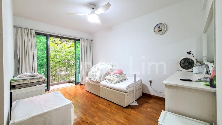 Master Bedroom/Balcony