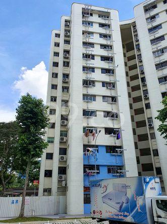 HDB-Hougang Block 327 HDB-Hougang