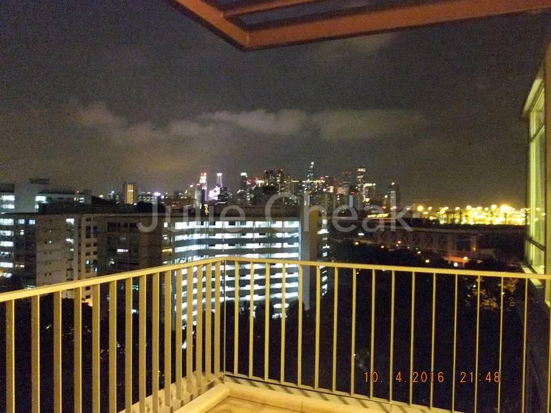 Spacious Balcony Skyline& Panoramic view