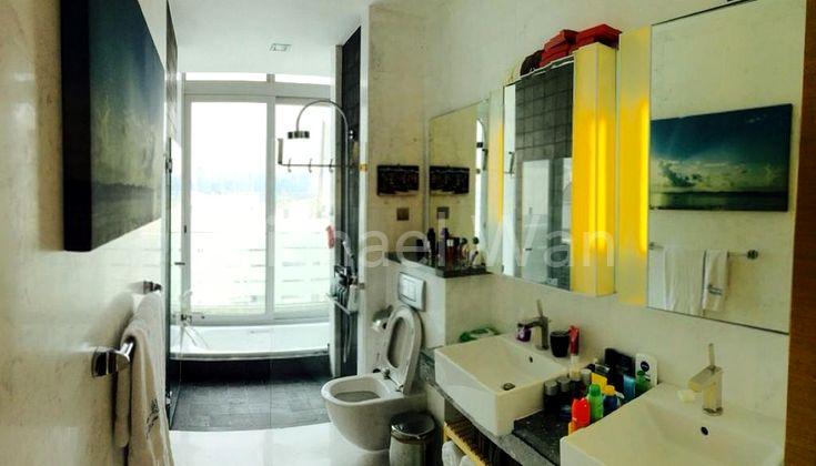Duplex PH #1x-07 Master Bath w Sunken Bathtub