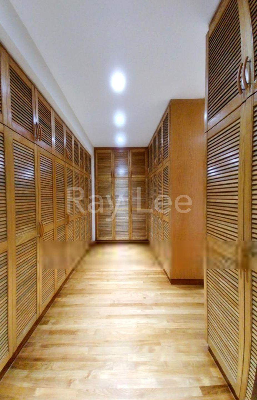 Almond Crescent - L02: Walk in Wardrobe
