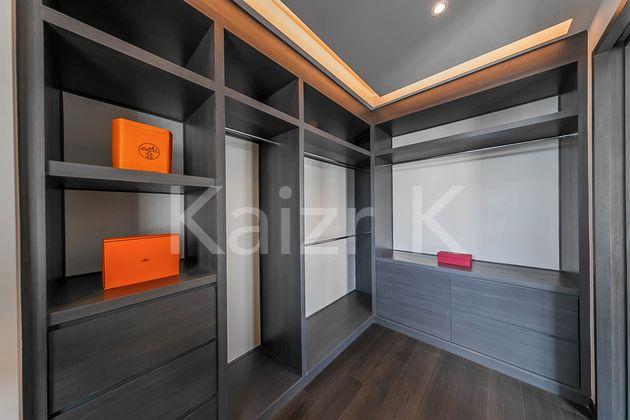 Master Bedroom Walk in Wardrobe area