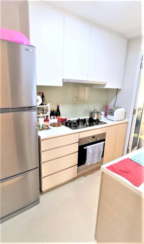 2. Kitchen 1.jpg
