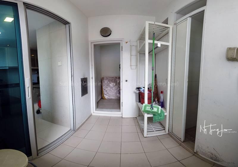 Washing Area. Living Room on the Left, Helper's bathroom on the right and Helper's bedroom is right ahead.